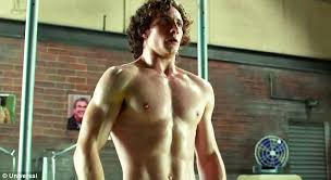 Hit The Floor Kickass - aaron taylor johnson shows off his rippling muscles in new kick