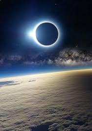 via lattea web eclissi solare a qualche chilometro dai nostri piedi via web