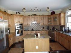 Kitchen Wall Colors With Maple Cabinets Kitchen Paint Colors With Maple Cabinets Tried To Get A Yellow