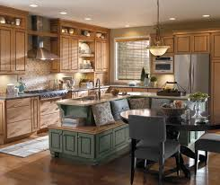 Maple Cabinet Kitchen Maple Wood Cabinets In Casual Kitchen Diamond