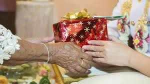 10 gift ideas for seniors with memory loss