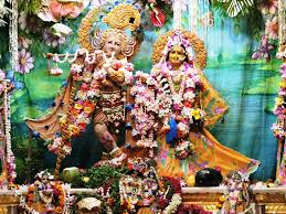 How To Decorate Janmashtami At Home by Thakur Bankey Bihari Ji Gave Charan Darshan To Devotees