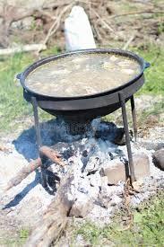 chaudron pour cuisiner chaudron pour faire cuire le pilaf photo stock image du cuisine
