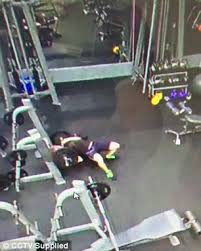 Bench Without A Spotter Queensland Man Pinned Down With 120kg Barbell At Gym Daily Mail