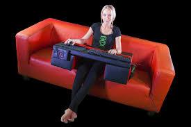 pc fã r wohnzimmer couchmaster pc gaming tisch für erhältlich news
