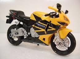 honda motorcycle 600rr honda cbr 600rr yellow black motorcycle 1 18 cbr600rr 600 rr cbr600
