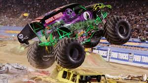 monster truck grave digger videos monster truck grave digger wallpaper hd wallpapers