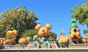 When Do Halloween Decorations Go Up At Disneyland Halloween Changes At Disneyland 2017