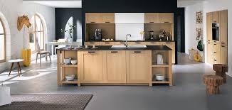 modeles cuisines mobalpa plan de travail cuisine mobalpa cuisine moderne en bois massif plan