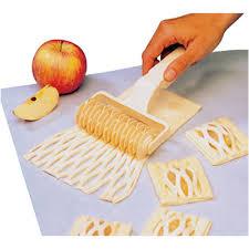 cuisine paderno paderno cuisine 47025 10 lattice cutter plastic w 4 1 2