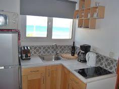 petit coin cuisine salle de bain d un earthship kirsten jacobsen earthship