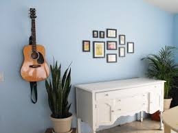 How To Hang Poster Without Frame Ways To Hang Pictures On Wall Home Decorating Inspiration