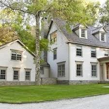 Clasic Colonial Homes by Pin By Fresh Farmhouse On Colonial Design Pinterest Saltbox