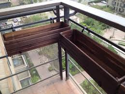 Hanging Planter Boxes by Best 25 Balcony Railing Planters Ideas On Pinterest Railing