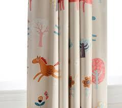 rideaux pour chambre bébé rideaux chambre enfant un élément important ideeco