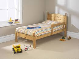 friendship mill football 3ft by 5ft9 short single pine wooden bed