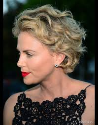short haircuts for women over 50 with fine hair účesy