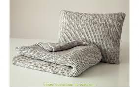 jeter de canape beau jeté de canapé gris chiné artsvette