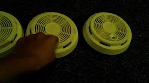 Green Light On Smoke Detector 3 First Alert Sa90lt Light Test Smoke Detectors Youtube