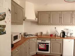 repeindre meuble de cuisine en bois repeindre cuisine bois les couleurs des cuisines modernes img15 re