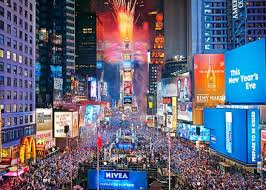 new year s celebrations live what to expect on a times square new years