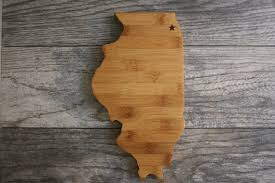 state shaped gifts illinois state cutting board engraved illinois state shaped