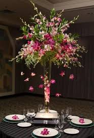 Vase Table Centerpiece Ideas Best 25 Trumpet Vase Centerpiece Ideas On Pinterest Tall Vases