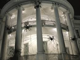 Decorative Spiders Five Fun Images Show How The White House Prepares For Halloween