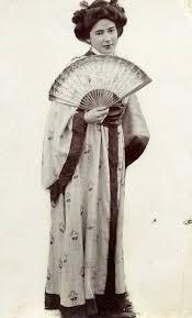 vintage photos of foreigner women pose in kimono dress vintage