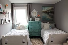 Guest Room With Twin Beds by L U0027s Wifey Lifey Ruffles Guest Bedroom With Twin Beds