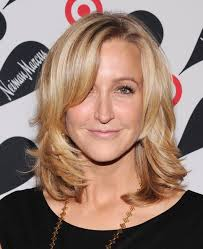 cute haircuts on gma lara spencer in target neiman marcus holiday collection launch