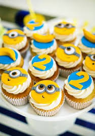 minion cupcakes eats amazing easy minion cupcakes despicable me theme by yvette