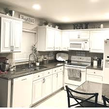 chalk paint kitchen cabinets how durable learn the best diy way to paint kitchen cabinets with chalk paint