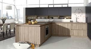 cuisine bois laqué cuisine contemporaine en bois laqué en chêne