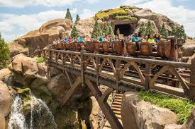 canadian residents can save up to 20 on walt disney world park tickets