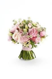 wedding flowers and accessories magazine 26 best pretty proteas images on wedding bouquets