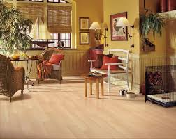 premium lock and fold maple l8712 laminate flooring at