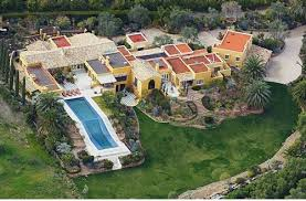 Best Backyards In The World Backyards That Make Disneyland Look Retarded
