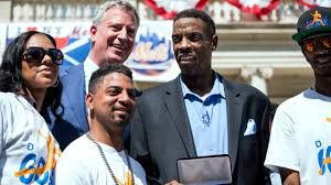 The Doc And Darryl Mets - dwight gooden darryl strawberry are buddies again as doc receives