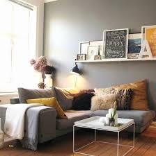 deco canapé canapé bleu canard inspirerend idee deco mur gris avec d co salon 88
