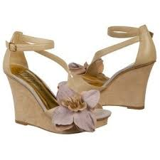 wedding shoes for grass outdoor brides show me shoes weddings beauty and attire