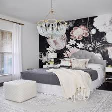 Master Bedroom Ideas With Wallpaper Accent Wall 25 Small Master Bedroom Ideas Tips And Photos