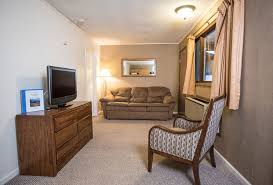 lake george rooms u0026 cabins with private beach access dunham u0027s