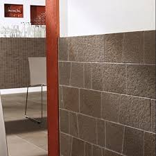 poser carrelage mural cuisine comment poser du carrelage mural dans une salle de bain pose