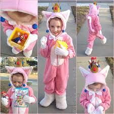 Peach Halloween Costume Diana Twitter
