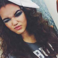 how do you do paris berlcs hairstyle on mighty med paris berelc mighty med star gets a super glam makeover in a new