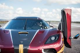 koenigsegg agera rs1 top speed watch koenigsegg agera rs smashes 0 249mph 0 world record by car
