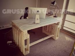 fabriquer un bureau en palette 3 palettes sont suffisants pour construire un bureau pur le