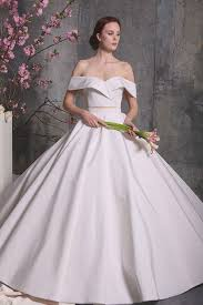 wedding dress trend 2018 wedding dress trends from bridal fashion week 2018