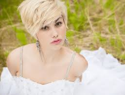 short hairstyles on ordinary women 25 classy short blonde hairstyles to look special